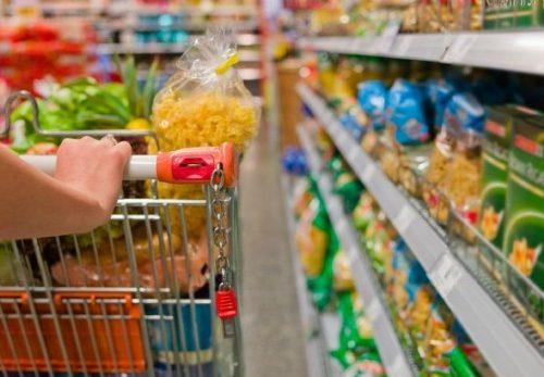 Istat: alimentari in calo nel mese di maggio