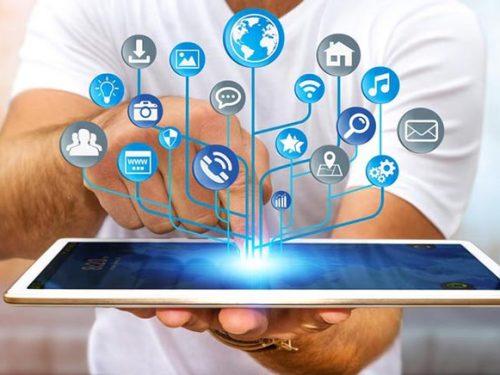 I simboli tecnologici onnipresenti sui social, ecco il loro significato
