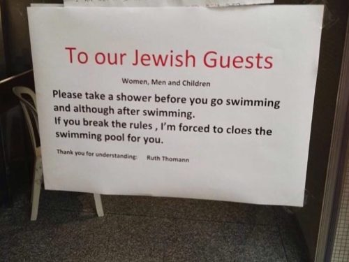 Cartello antisemita in hotel: israeliani infuriati