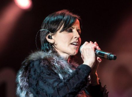 Addio Dolores O' Riordan, la voce dei Cranberries conquistò il mondo con Zombie (video)