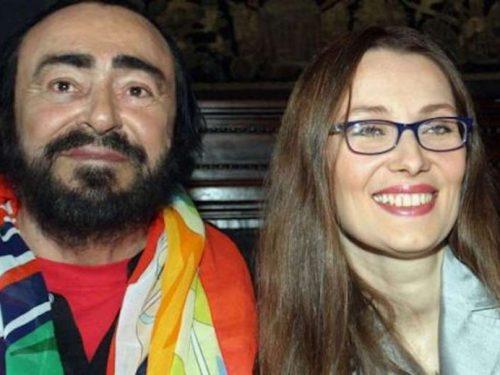 Pavarotti, a 13 anni dalla morte la moglie si sposa